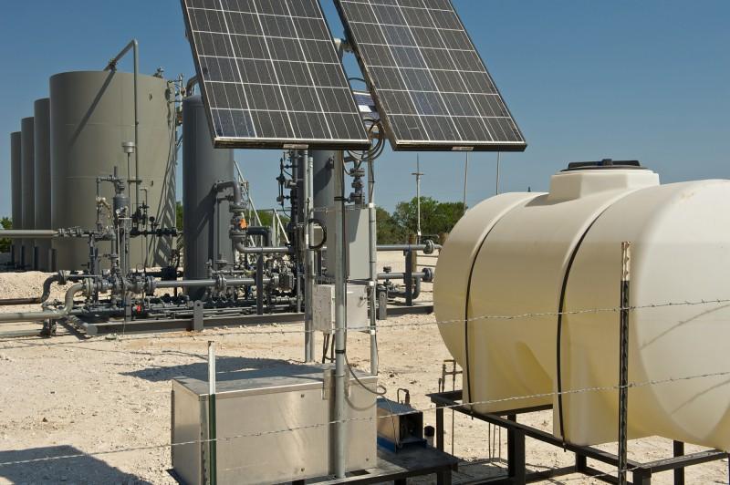 Conocophillips Solar Energy Panels in the oilfield